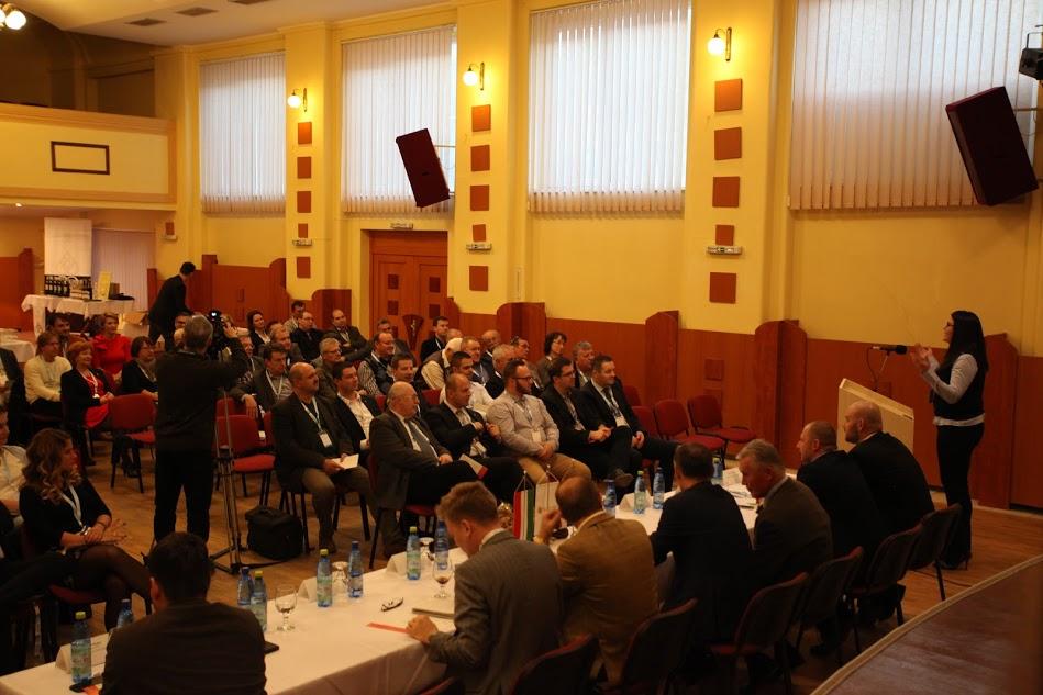 Borászok szakmai találkozója Párkányban (Fotó: Árendás Katalin)