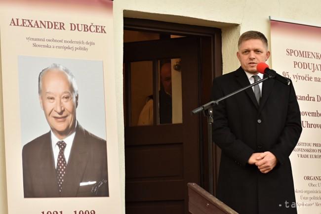 Robert Fico a zayugróci megemlékezésen (Fotó: tasr)