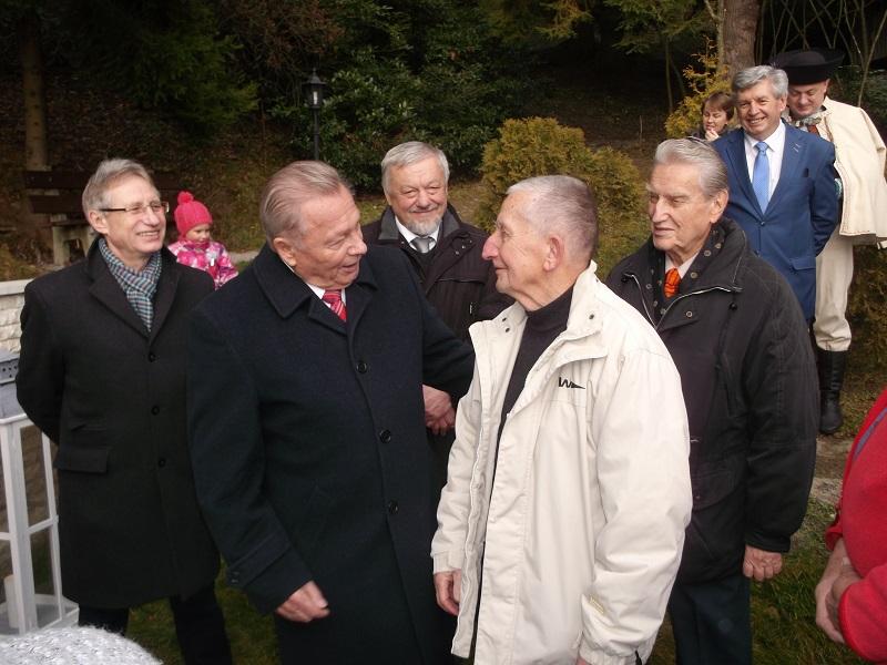 Előtérben: Rudolf Schuster és Dr. Juhász György. Mögöttük: Jozef Leikert, Miroslav Bielik, Anton Hykisch (Fotó: Máté László)