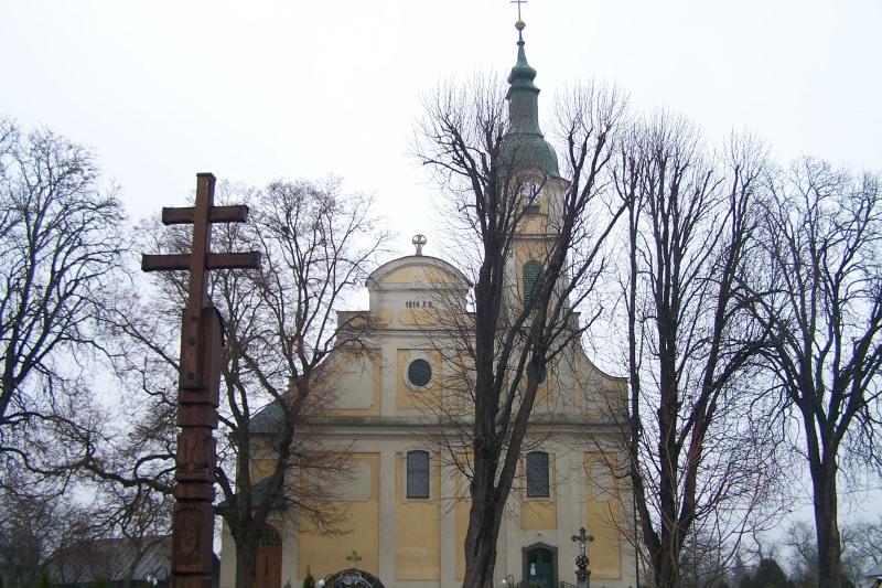 A Szent Kereszt Felmagasztalása templom (fotó: Okos Márton)