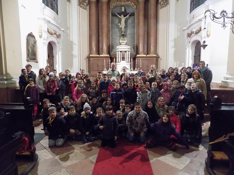 Szentmise után Milán atyával (Fotó: Berényi Kornélia)