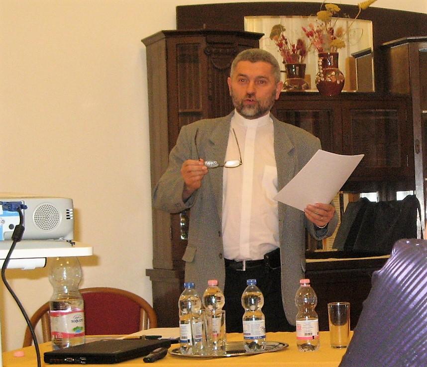Tóth Mihály előadás közben (Fotó: Tökölyi Angéla/Felvidék.ma)