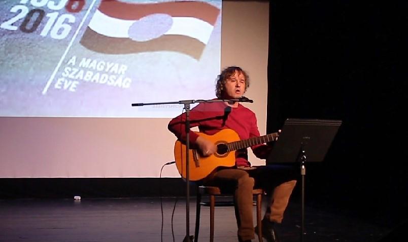 Viszlai Tibor előadás közben (Fotó: Kocska Ádám)