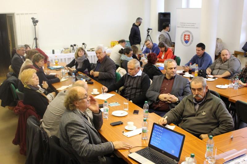 A gazdasági panel résztvevői (Fotó: Szalai Erika/Felvidék.ma)