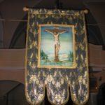 Egegi halotti lobogó a templomban (Fotó: Csáky Károly)