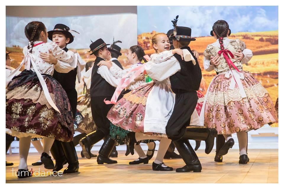 A Csali Magyarbődi táncokat járt (Fotó: Váradi Levente/MTVA)