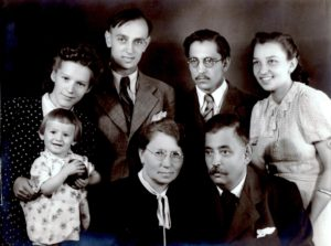 Korabeli fénykép Gajdár Jenőről és családjáról (Fotó: családi archívum)