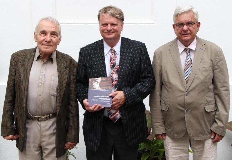 Az V. magyarságtudományi kötet tavaszi bemutatója (Fotó: veol.hu)