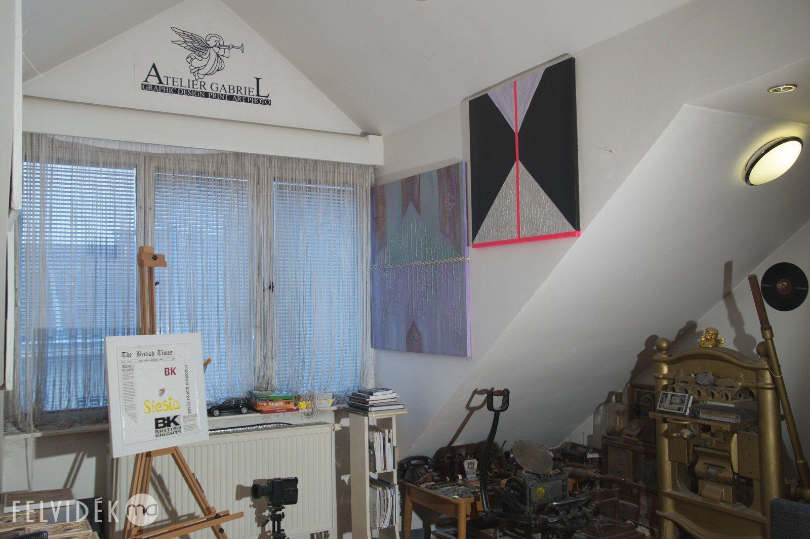 m terem l togat son kalita g born l felvid. Black Bedroom Furniture Sets. Home Design Ideas