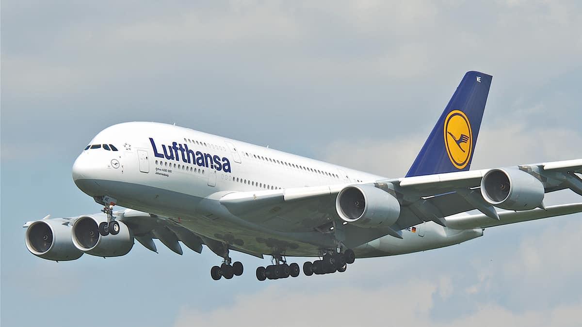 Befellegzett, hölgyeim és uraim, gendersemlegesen köszönt a Lufthansa